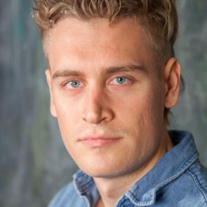 Andreas Sylvan skuespiller elever på Skuespillerskolen Ophelia 2016-2019