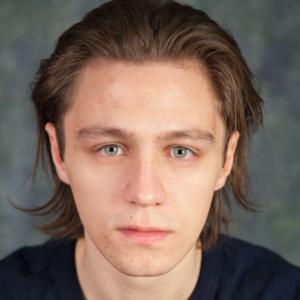 Jens Bernstorff Vejsnæs skuespiller elever på Skuespillerskolen Ophelia 2016-2019